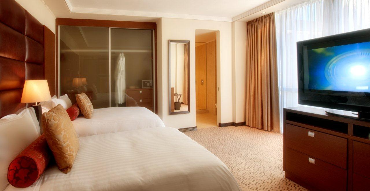 Pepper club luxury hotel spa last minute discount for Affordable bedroom furniture in cape town